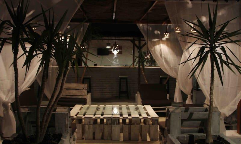 Casa cueva El Nido. Alojamiento rural singular.