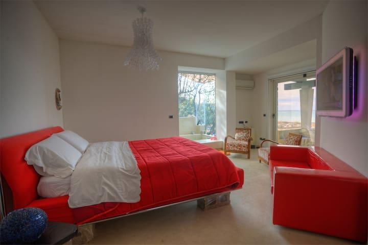 double bedroom 1 - with ensuite bathroom