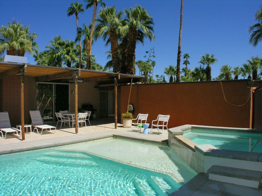 Midcentury Vacation Rental Home on Famous Rose Ave in Las Palmas Palm Springs3