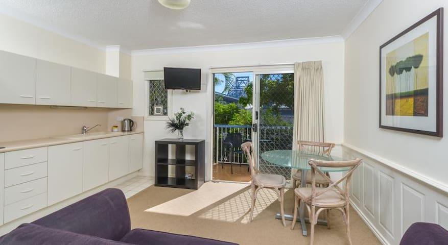 Studio Apartment in Kangaroo Point