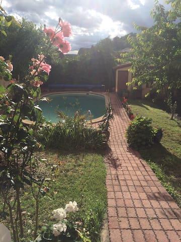 Maison bourgeoise pour 15p avec piscine privé - Carmaux - Stadswoning