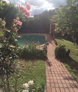 Maison bourgeoise pour 15p avec piscine privé - Carmaux