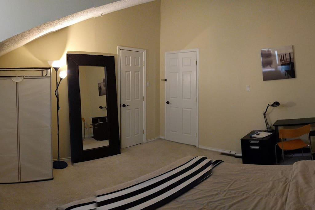 Fully furnished bedroom with dresser. Closet is not accessible :)