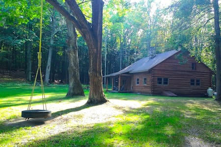 Catskills Secluded Log Cabin - Cornwallville - 小木屋
