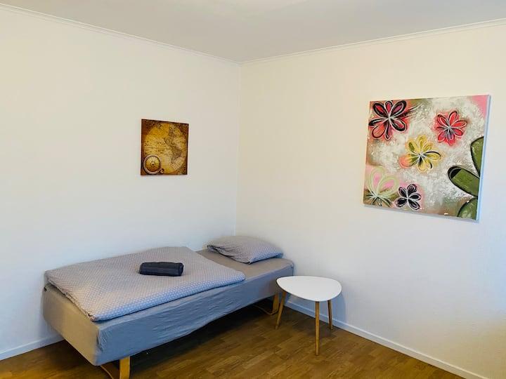 ADI Apartments Leirvik sentrum Rom 1