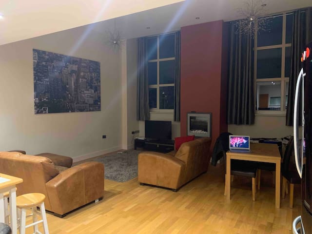 Manchester city centre large apartment room