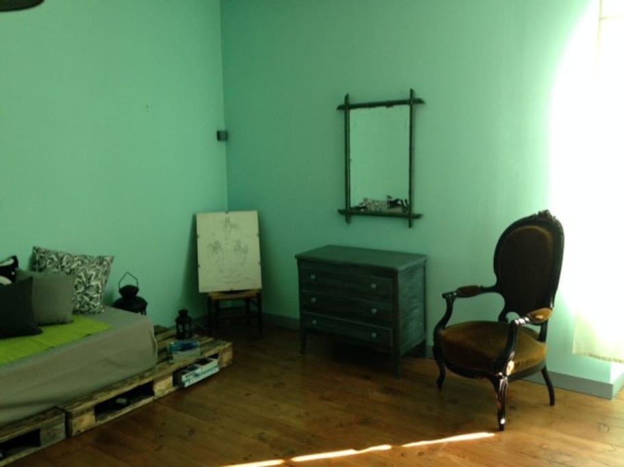 Salon  / chambre de l'étage