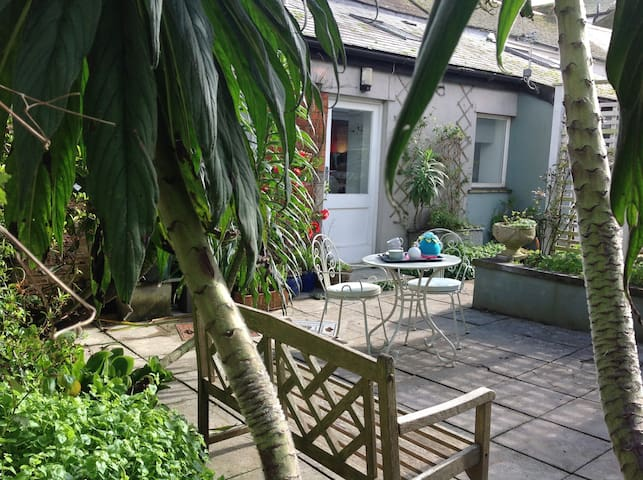 Unique Converted Artists Studio - Penzance  - Hus