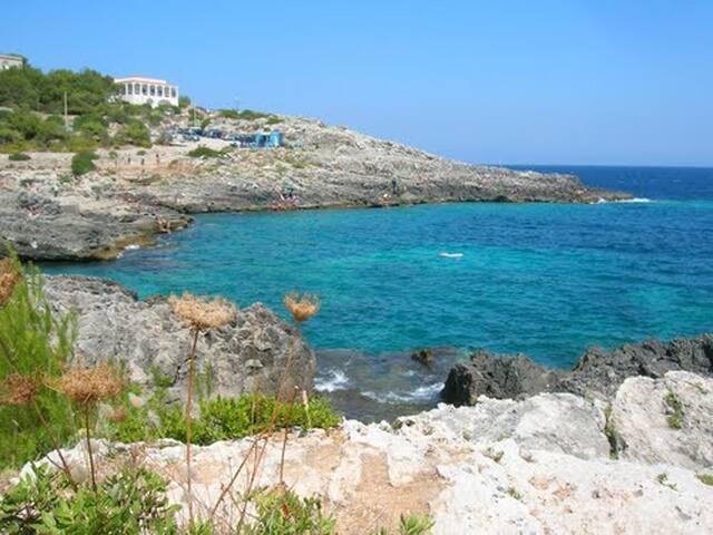 Le rocce, l'orizzonte, l'Adriatico - Novaglie - Villa