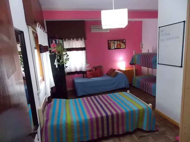 Casa cómoda en barrio residencial - La Plata