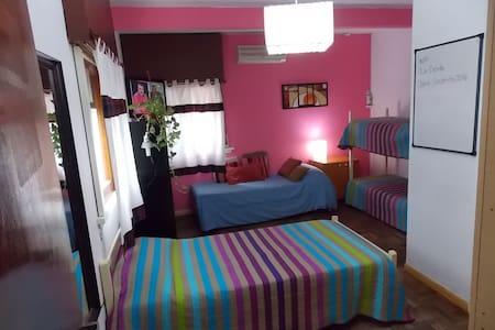 Casa cómoda en barrio residencial - La Plata - Huis