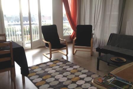 appartement T2 à Maurepas disponible à l'année