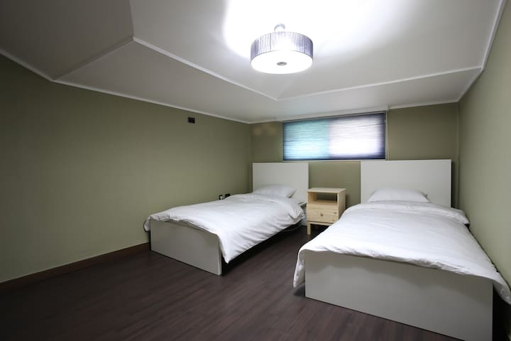@Myeongdong 1 bed of 5 Bed Dormitory room (Female)