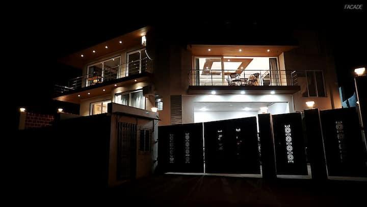 Highfield HillTop Stay - Deluxe Room -1