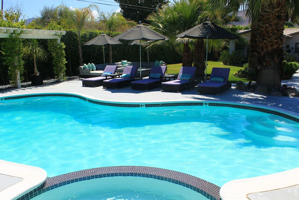 Plenty of Chaise Lounges around the pool