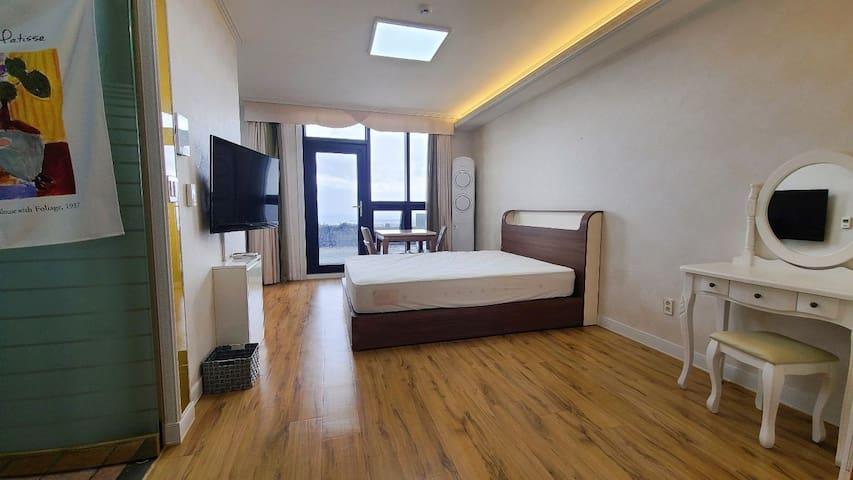 방 전경(SouthCalli Room wz seaview)