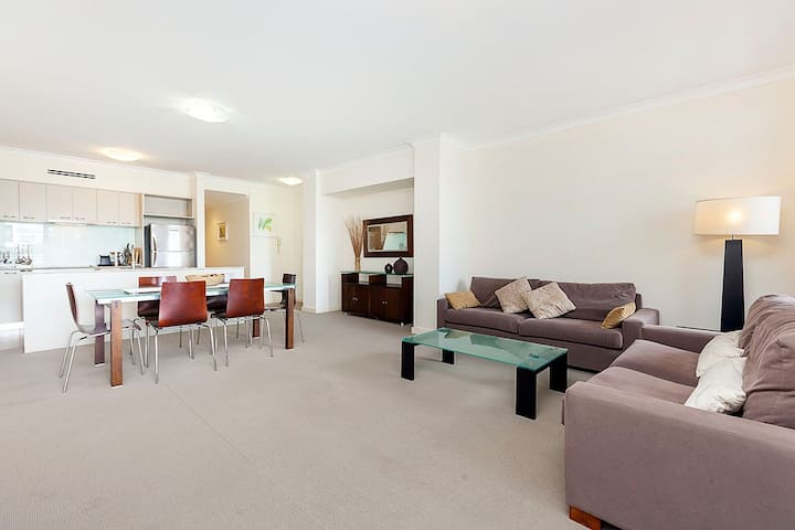 EXECUTIVE SPACIOUS INNER CITY APARTMENT - West Perth - Apartamento
