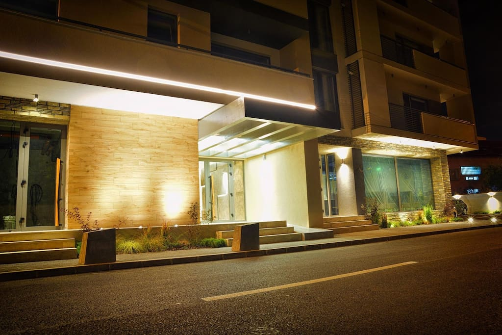 Luxury Apartments for Rent - Flori De Iulie / www.florideiulie.ro