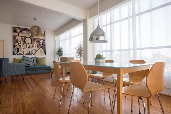 Bright & Artsy 2 BR Apartment + Best Location