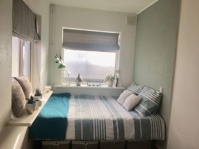 Private room near city centre