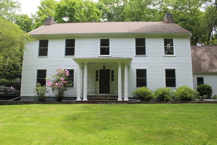 Renovated Modern Hudson Valley Farmhouse