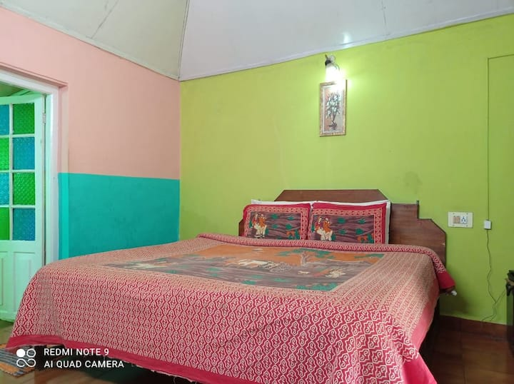 Hill view deluxe room with lovely lawn n playarea