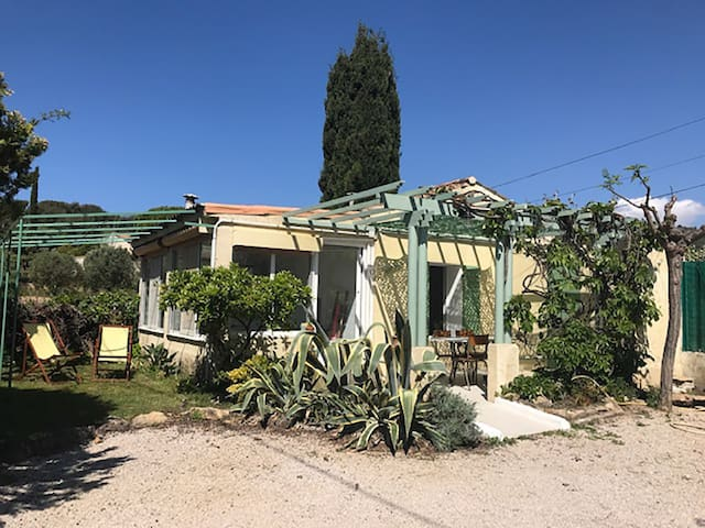 Cabanon provençal - calanque Port D'alon  2/4 pers