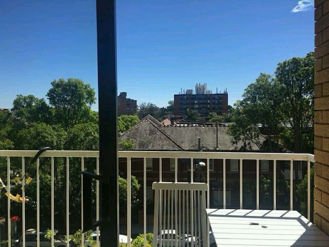 Beautiful 1 room apartment - Centennial Park - Wohnung