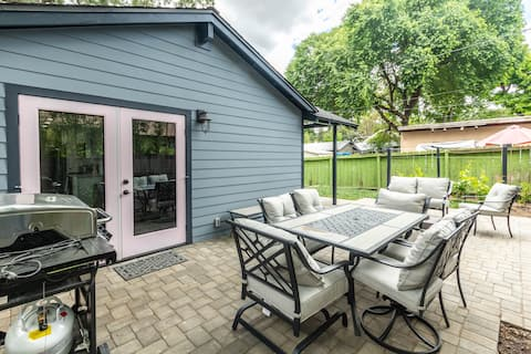 Close to Downtown! Remodeled Home w/ firepit