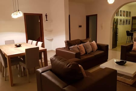 Beautiful 3 bed apt in Praia. Home away from Home.
