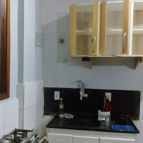 Niterói Região Oceânica suíte c/cozinha americana