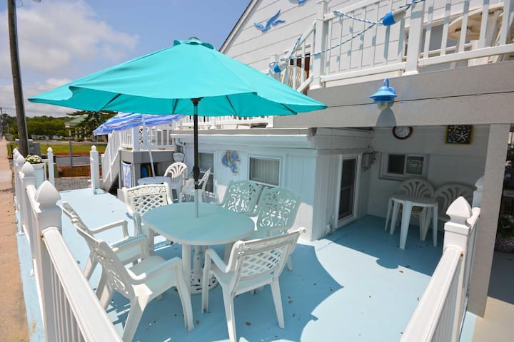 157- Jewel by the Sea unit on uptown pet friendly & just steps to the beach
