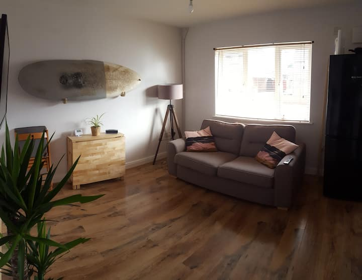 Cozy One Bed Flat - whole flat, not shared