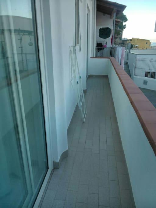 Il balcone al piano primo
