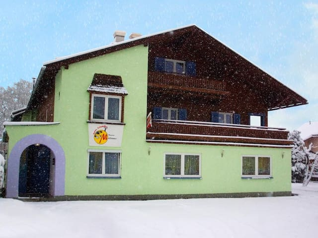 Zell Am See Bed & Breakfast Pension Miracle