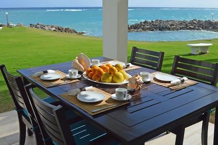 Fantastic 2BR Seafront Apt Sea Palms..Ocho Rios