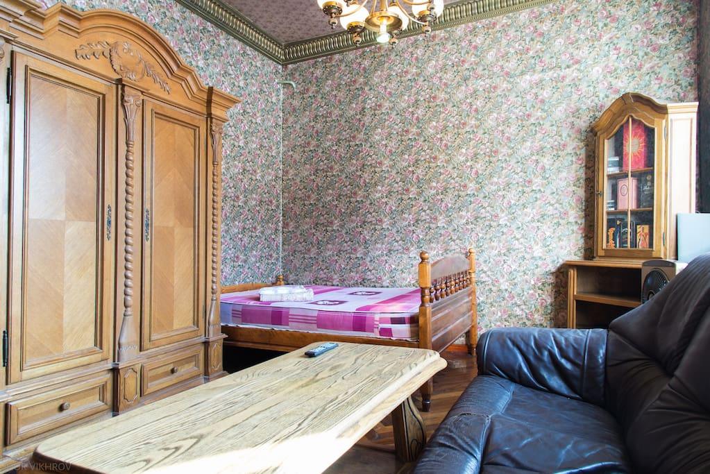 Большая гостиная комната / Large living room for 2 guests