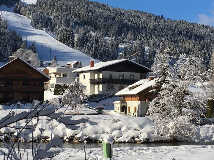 Ski apartment for 12 persons in Flachau, Austria