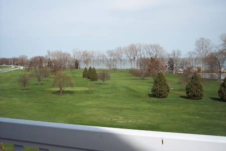 Lakeview Condo, Pool, Beachview, Cedar Point