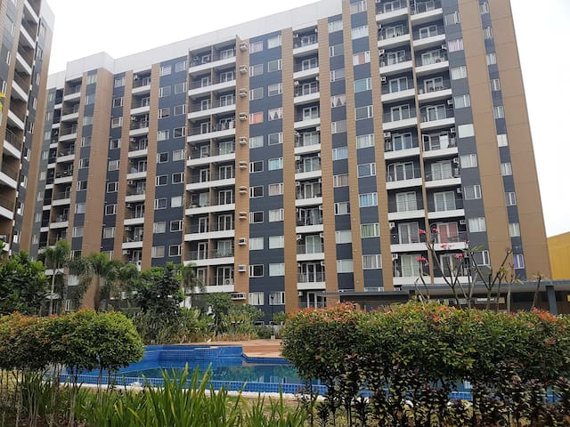 1 BR Condo Unit w/ Wifi, Cignal Cable