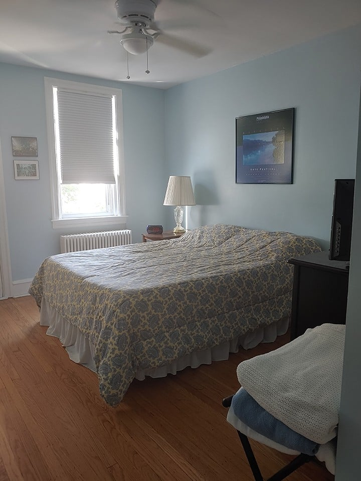 Comfortable room downtown with private space