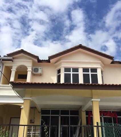 Le Merlot Homestay Serdang Kedah - Serdang - Talo
