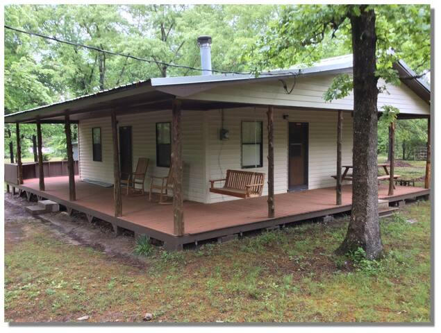 Bird Song Cabin close to the Kiamichi River