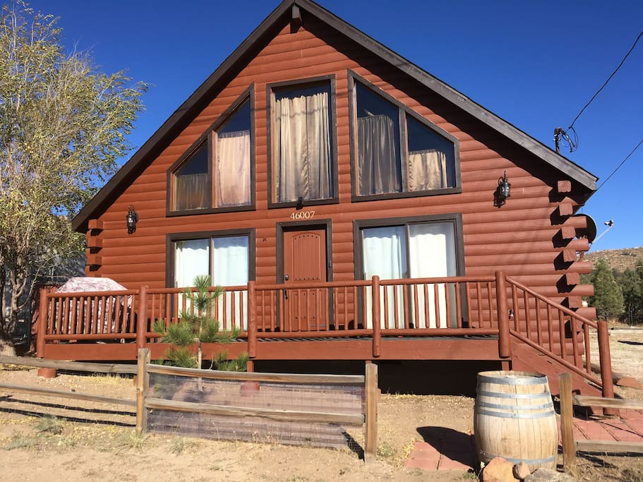 Big bear log home view of ski slopes cabins for rent in for Log cabins in big bear