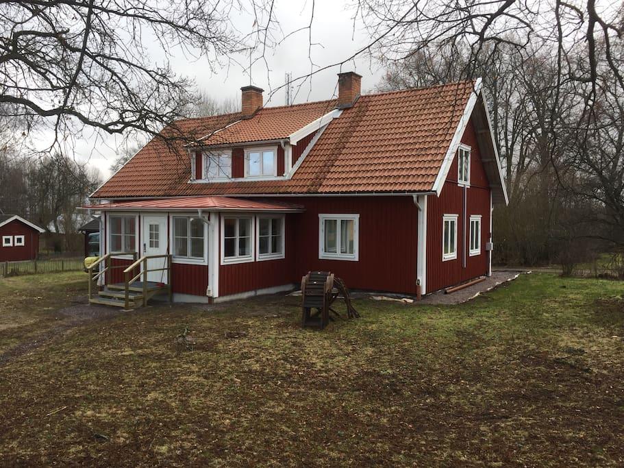 pengar postorderfru avsugning nära Linköping