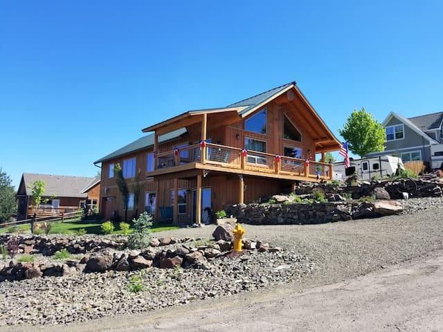 Wallowa Mountain High Suite