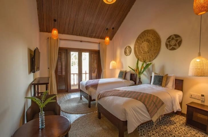 204 Lovely twin or kingsize bedroom and breakfast