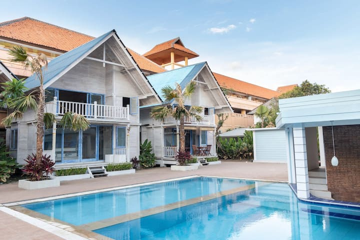 Seminyak Beach Hut - 30 meters from the beach
