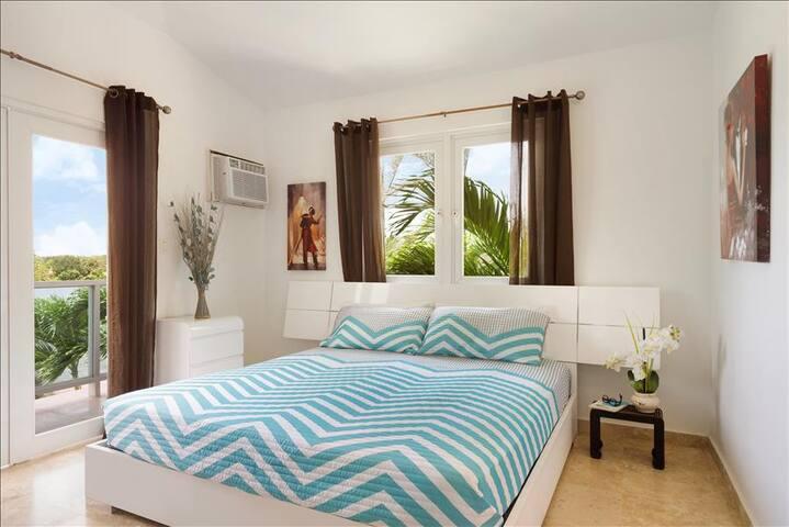 Manati World Point Balcony Room 203 - Manatí