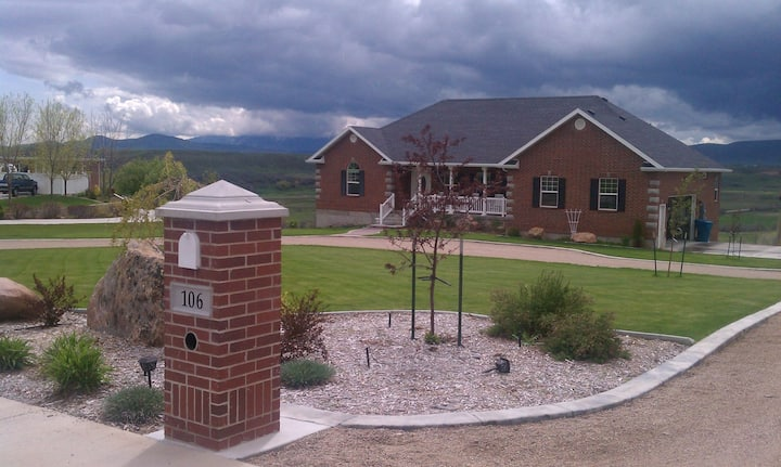 Bear River Bluff Retreat (private lower level)